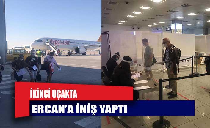 İkinci uçakta Ercan'a iniş yaptı