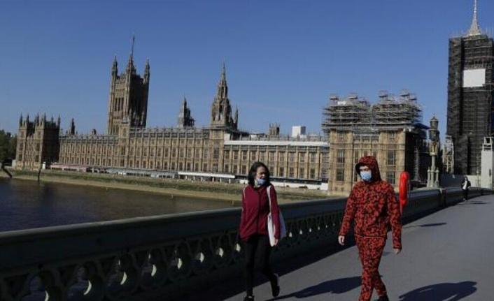 İngiltere'de belirli bölgelerde kısmi karantina devam edecek
