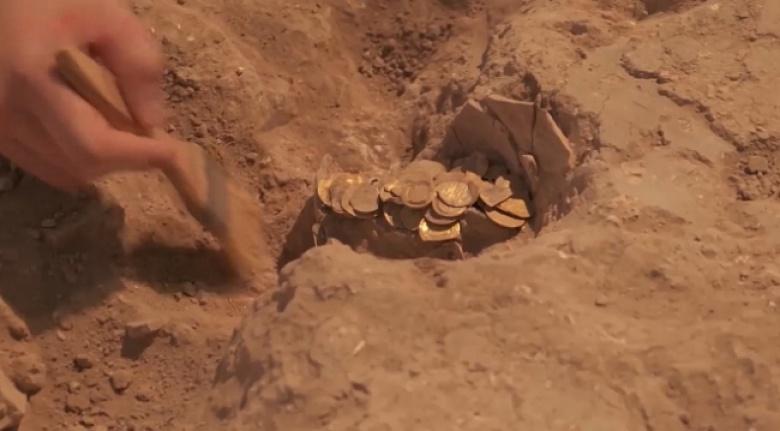 İsrail'deki kazı çalışmasında 425 altın sikke bulundu