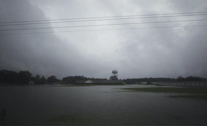 Delta Kasırgası, ABD'nin Louisiana eyaletini vurmaya başladı