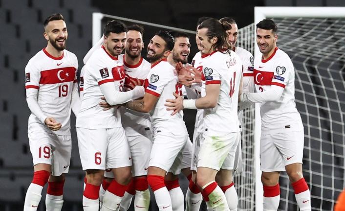 Türkiye'nin 2022 Dünya Kupası yolculuğu 4 gollü galibiyetle başladı.