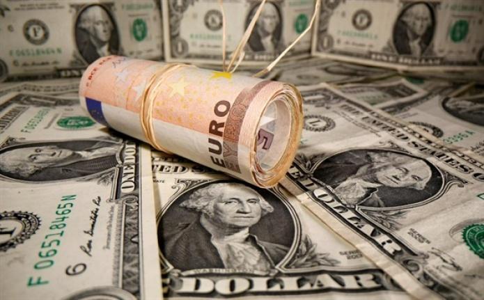 Dolar/Tl 8.50'yi, Sterlin 12.10'u Geçti