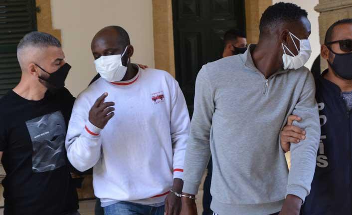 Lefkoşa'da iki ayrı bölgede uyuşturucu  bulundu. Zanlılar yakalandı