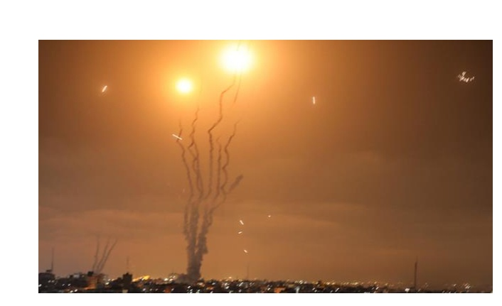 Lübnan'dan, İsrail'in kuzeyine 3 adet roket atıldı