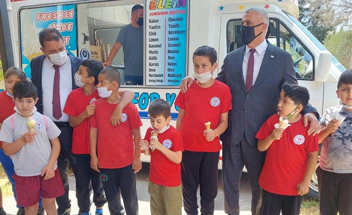 Başbakan Saner Özel Eğitim Merkezi'ni ziyaret etti