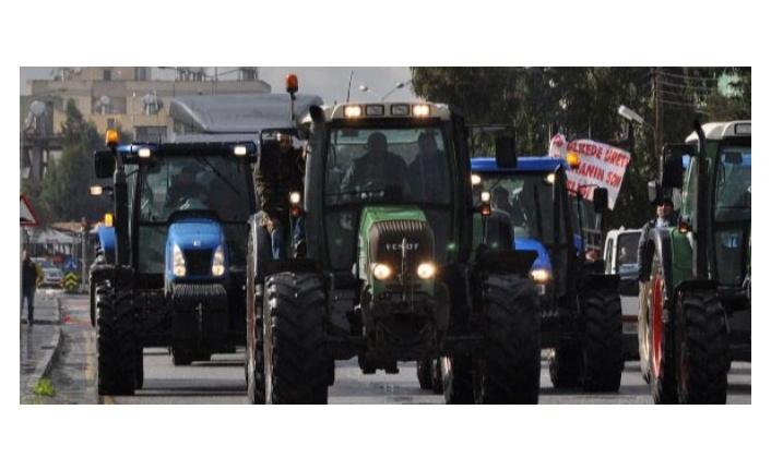 Çiftçilerden, hayvancıların eylemine araçlı destek