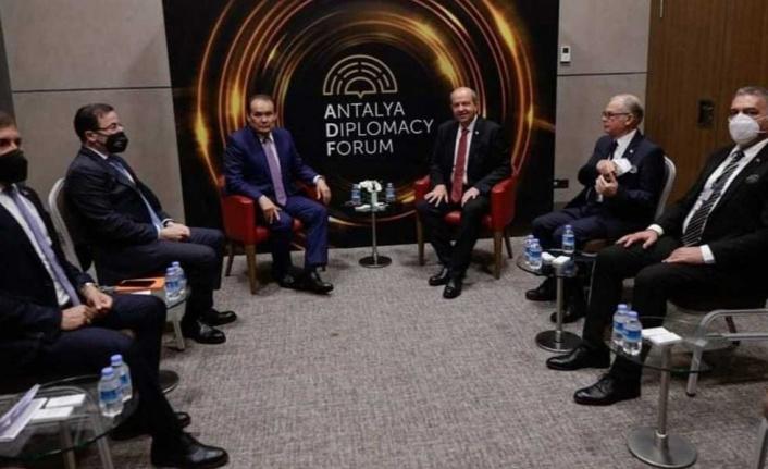 Ersin Tatar temaslarını sürdürüyor