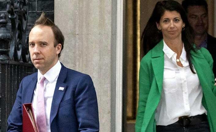 Görüntüleri ifşa olmuştu! İngiltere sağlık bakanı istifa etti