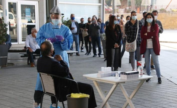Güney Kıbrıs'ta vaka sayısındaki yükseliş sürüyor
