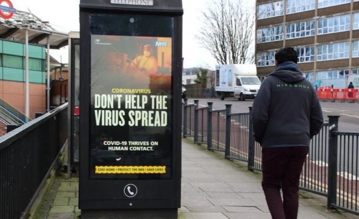 İngiltere'de koronavirüs vakaları bir hafta içinde yüzde 74 arttı