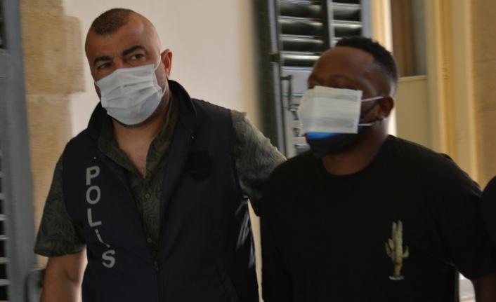 Uyuşturucu satıcısı cezaevine gönderildi