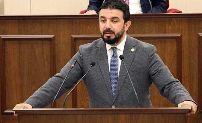 Bertan Zaroğlu'ndan, Afet Özcafer'e Gönderme