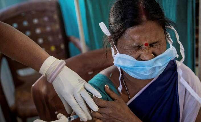 Hindistan'da sahte aşı merkezleri bulundu: Binlerce kişiye tuzlu su enjekte etmişler!