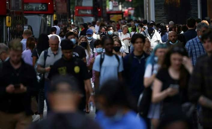 İngiltere'de bilim kurulu üyeleri uyardı: Bir sonraki corona virüs varyantı daha ölümcül olacak