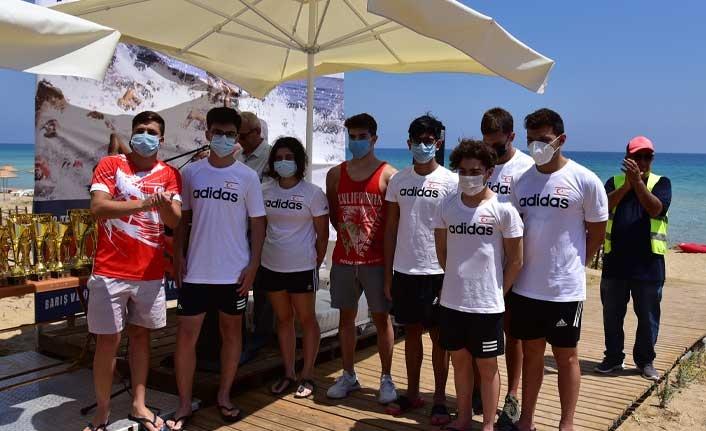 Maraş'ta Barış ve Özgürlük Yüzme Maratonu Düzenlendi