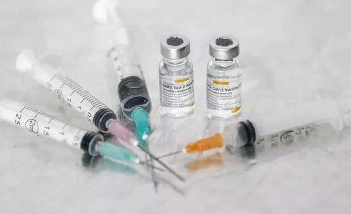 Pfizer aşısında iki doz arasındaki sürenin uzatılması daha fazla antikor üretiyor