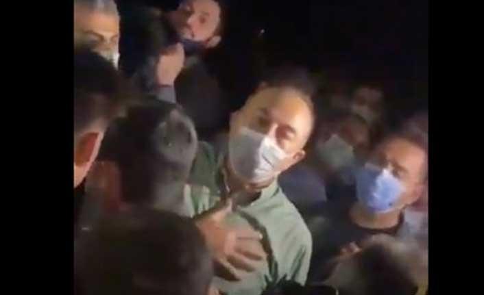 Yangın bölgesine giden Çavuşoğlu'na büyük tepki: Türkiye Cumhuriyeti'nin 3 uçağı mı var?