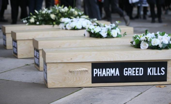 Londra'da aşı patentlerine karşı gösteri yapıldı