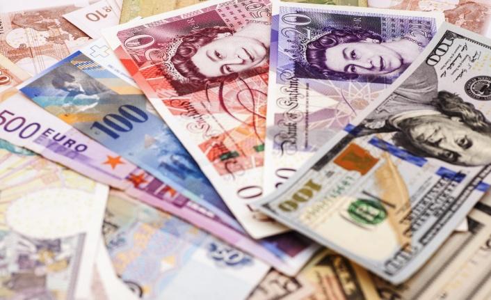 Vatandaş Parasını Döviz Hesabında Saklıyor