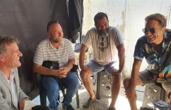 """Arıklı, """"Bir Zamanlar Kıbrıs"""" Dizisi Setini Ziyaret Ederek Ekiple Bayramlaştı"""
