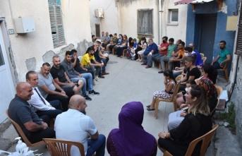 Demokrat parti'ye (dp) dün akşam lefkoşa surlariçi bölgesinde 103 kişi katıldı.