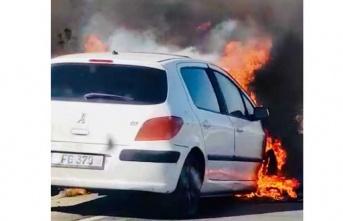 Girne Lefkoşa ana yolunda bir araç alev aldı.