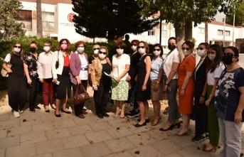 Kadınlar, Ev İçi Şiddeti Önleme Yasası İçin Meclis Önünde Toplandı