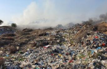 Kırklar köyünün çöplük mevkiinde yangın çıktı.