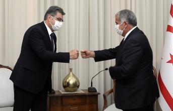 Meclis Başkanı Sennaroğlu, Tbmm Kktc Dostluk Grubu Heyetini Kabul Etti