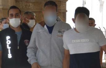 Uyuşturucu madde bulunan zanlılar 3 gün tutuklu kalacak