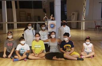 Girne Belediyesi Çocuk Meclisi, Lefkoşa'da Bale Atölyesi'ne Katıldı