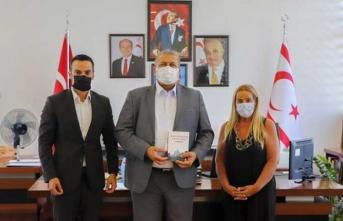 Rauf Raif Denktaş Vakfı Gazimağusa Belediye Başkanı Arter'i Ziyaret Etti