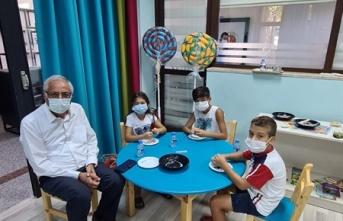 Girne Belediyesi Yaz Tatili Çocuk Atölyeleri Takı Atölyesiyle Devam Etti