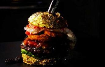 Hollandalı Jan de Veen, 6 bin dolarlık dünyanın en pahalı hamburgerini yaptı