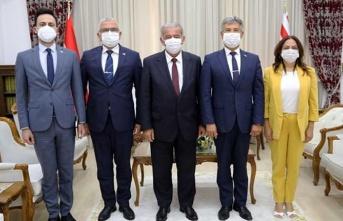 Meclis Başkanı Sennaroğlu, Karakoç İle Karaca'yı Kabul Etti