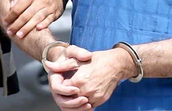 Polisi görünce eli ayağına dolandı