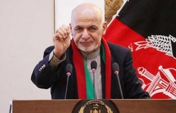 Afganistan'dan kaçan Cumhurbaşkanı Gani'den ilk açıklama: Kan dökülmesini önlemek için ayrılmaya karar verdim