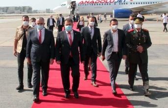 Başbakan Saner KKTC'ye döndü