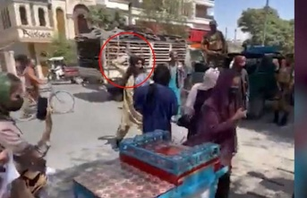 Taliban kadınları kırbaçladı
