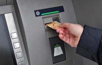 ATM'de Unutulan Karttan 4 Bin TL Çekildi