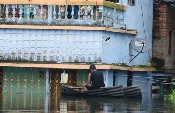 Hindistan'ın güneyindeki şiddetli yağışlar sonucu 18 kişi öldü,onlarca kişi kayboldu