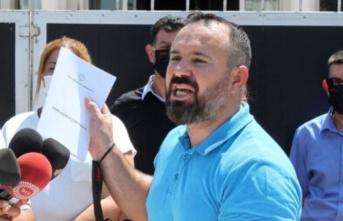KTAMS vatandaşlıkları protesto etmek için İçişleri bakanlığında toplanıyor