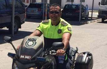 Polis Memuru Erhan Çakırgöz, görevi sırasında aniden fenalaşarak yere yığıldı