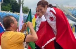 Dünya Para Atletizm Şampiyonası'nda 800 metrede Muhsine Gezer, dünya şampiyonu oldu
