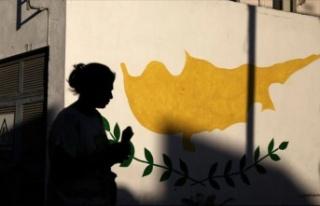 Güney Kıbrıs'ta gençler siyasilere güvenmiyor