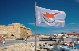 Güney Kıbrıs'ta Normalleşme Öfkeli Başladı…
