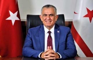 Bakan Çavuşoğlu, Babalar Günü Dolayısıyla Mesaj...