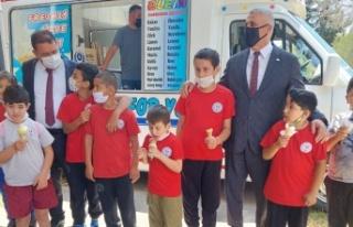 Başbakan Saner Özel Eğitim Merkezi'ni ziyaret...