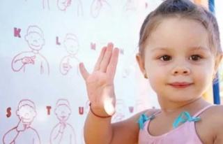 Bebeğiniz kelime yerine işaret dili kullanıyorsa...