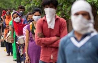 Hindistan'da günlük vaka sayıları düşüyor